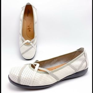Ros Hommerson 10M White Leather Ballet Flats